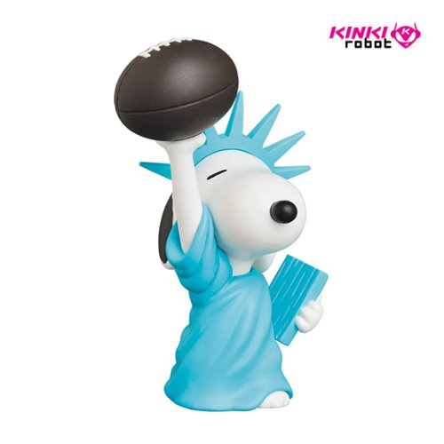 UDF PEANUTS S9 STATUE OF LIBERTY SNOOPY